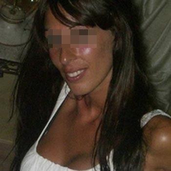 Cougar sexy à Issy-les-Moulineaux qui cherche un jeune homme pas coincé