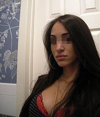 Femme mature à Saint-Denis cherche un jeune homme sensuel