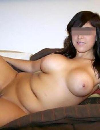 Femme mature sexy recherche un jeune homme à Arles